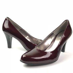 Euro Soft by Sofft  Size 8.5M RED Heels Pumps